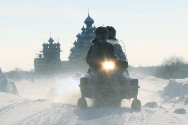 snowmobile tour to Kizhi