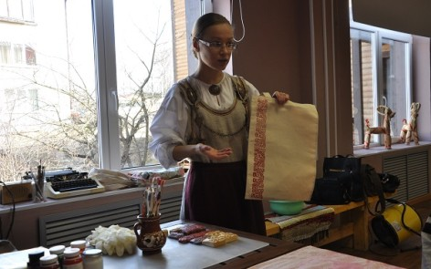 Workshop on Karelian crafts